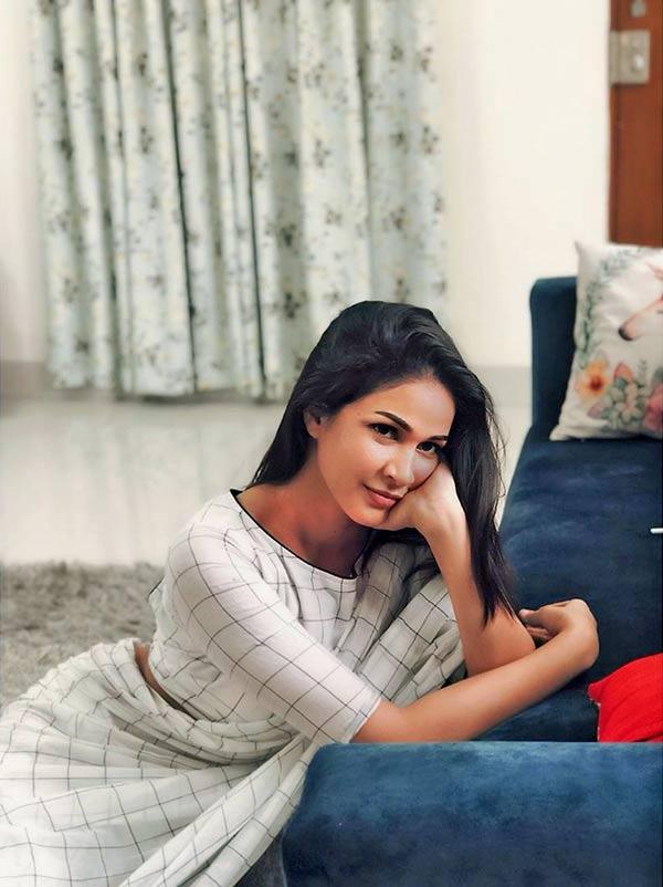 Lavanya tripati trending pics in white saree