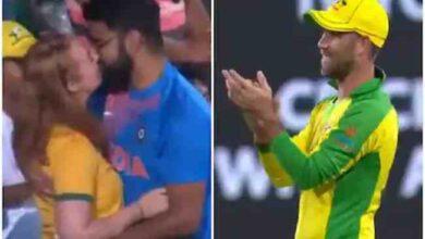 Photo of india vs australia : క్రికెట్ జరిగే స్టేడియం లో లిప్ లాక్… వైరల్ వీడియో !