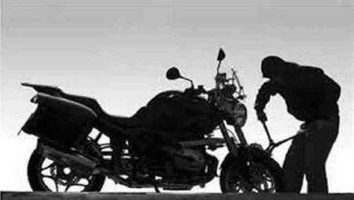 Photo of భార్య కోరిన లైఫ్ ఇవ్వడానికి భర్త ఇంతకు తెగించాడా !