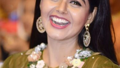 "Photo of Monal Gajjar: ""అల్లుడు అదుర్స్"" మూవీ సెట్ లో కంటతడి పెట్టిన మోనాల్ గజ్జర్"