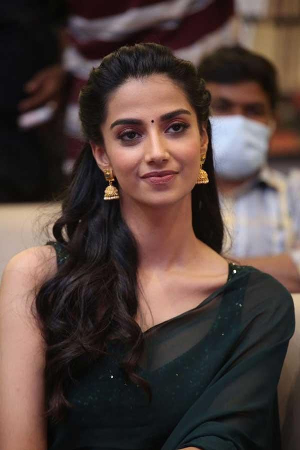 Meenakshi Chaudhary Profile